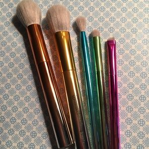 Set of 5 BH Cosmetics Brushes